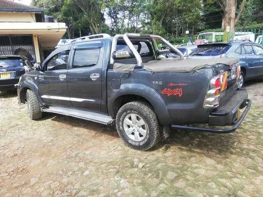 Toyota Hilux 3.0 D-4D Double Cab image 2
