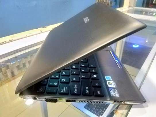 ASUS Eee 1025C Mini-Laptop image 2