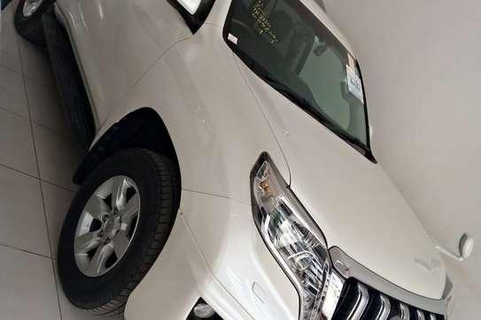 Toyota Land Cruiser Prado TX-L image 2
