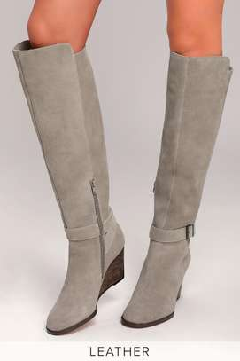 Diana Ferrari. Grey suede/leather knee-high wedge boot: size 10.5 image 3