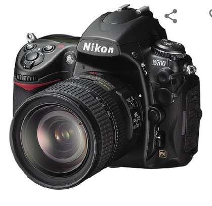 Nikon D700 12.1MP FX-Format CMOS Digital SLR Camera with 3.0-Inch LCD (Body Only) (OLD MODEL) image 3