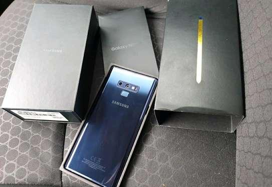 Samsung Galaxy Note 9/ 512 Gigabytes / Black And Wireless Galaxy Buds image 3