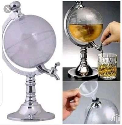 Globe dispenser image 3