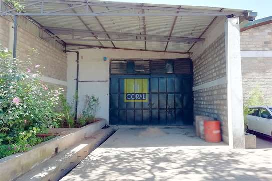 4000 ft² warehouse for rent in Kikuyu Town image 2