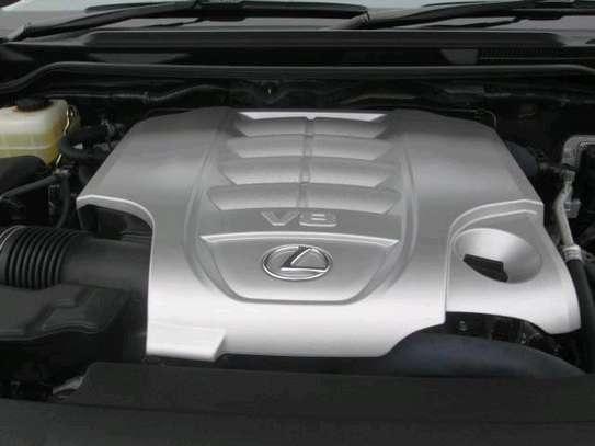 Lexus LX -570 2016 Fully loaded car image 7