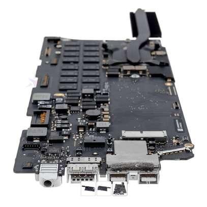 """Macbook Pro A1502 13"""" 2015 i5 8GB 2.7Ghz Logic Board image 1"""