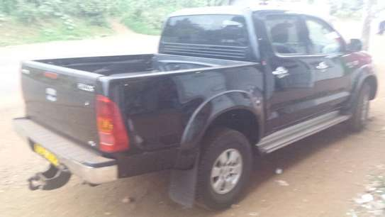 Toyota hilux double cab d4d diesel image 2