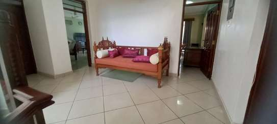 4br Furnished house with SQ for rent in Old Nyali. HR31 image 11