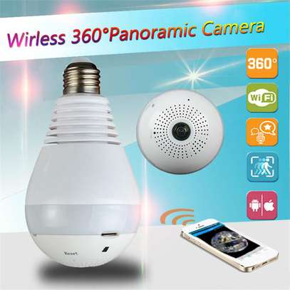 CCTV Bulb WiFi IP Camera 360 Degree Panoramic View 960p