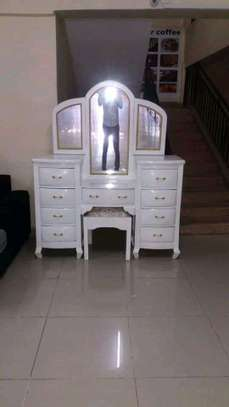 Classic customized dressing tables image 6