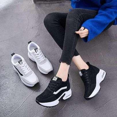 Ladies fashion shoes image 1
