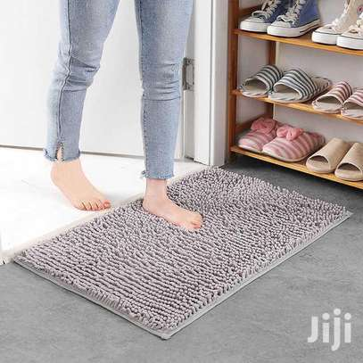 Bathroom mats available image 3