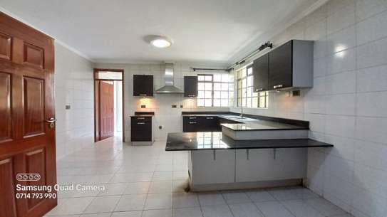 5 bedroom townhouse for rent in Lavington image 4