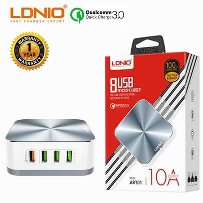 LDNIO A8101 10A QC3.0 Quick Charge 8-port USB Charger Desktop image 2