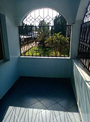 4br maisonnette all-ensuite for rent in Nyali image 14
