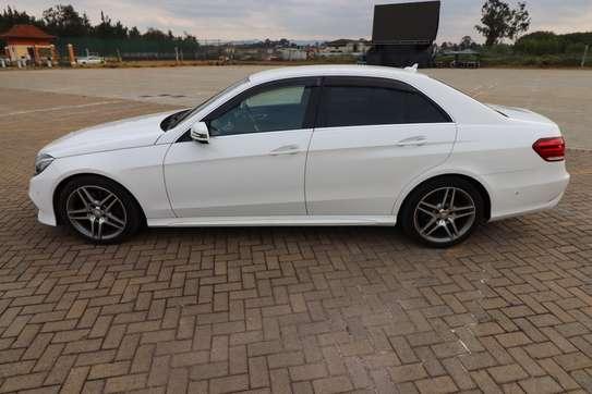 Mercedes-Benz E250 image 6