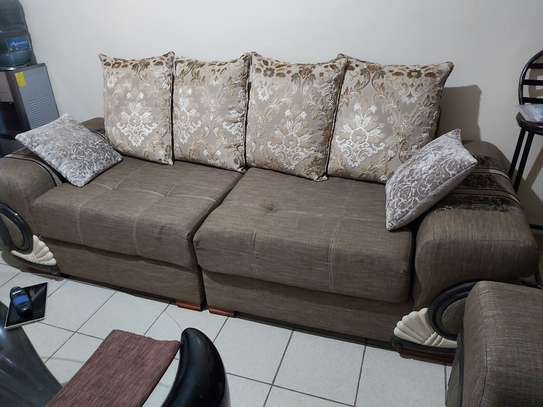3 seater couch image 1