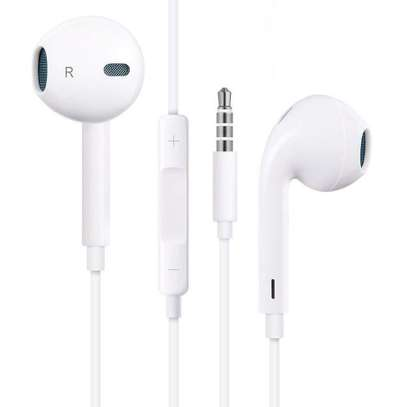 Apple Earpods With 3.5mm Headphone Plug image 1