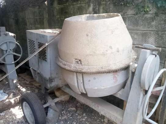 Concrete mixer image 5