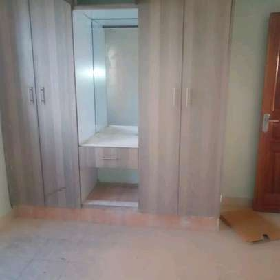 NEW MODERN ONE BEDROOM APARTMENT TO LET image 10