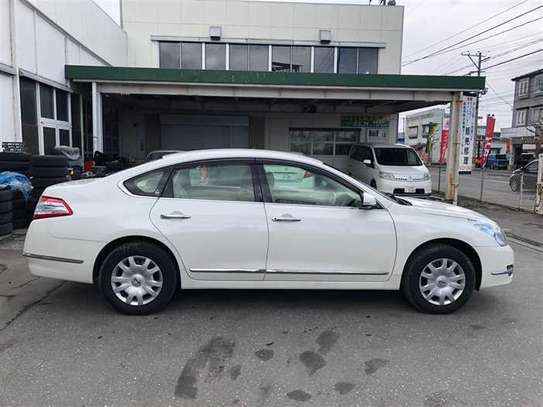 Nissan Teana image 3