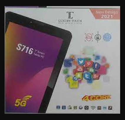 Luxury Touch S716 Tablet image 1