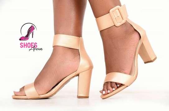Low chunky heels image 2