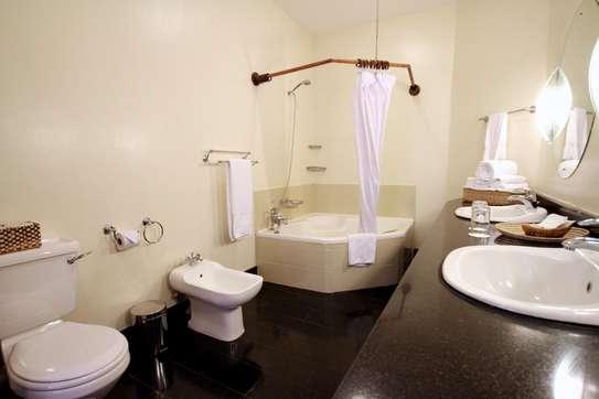 Furnished 4 bedroom apartment for rent in Kilimani image 10