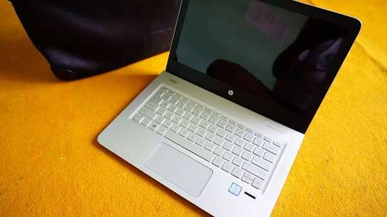 Sleek and lighter HP Elitebook image 1