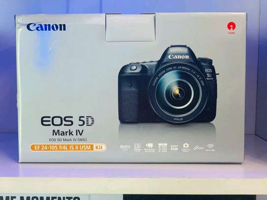 Canon 5D Mark IV with  24-105mm lens