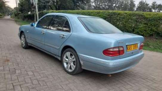 1993 Mercedes-Benz E200 KAS auto petrol drives smooth Mint image 12
