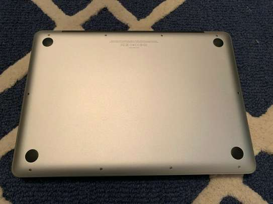Macbook pro 2012, core i5, 1 tb hdd,8 gb ram, 2.5 ghz, backlit keyboard image 1