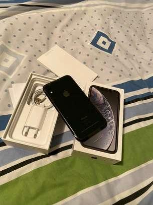 Apple Iphone Xr | 256gb Gigabytes | Black image 1