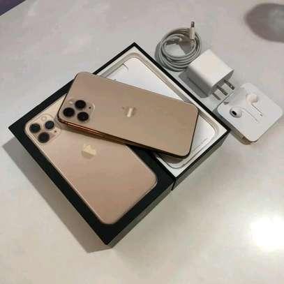 Apple Iphone 11 Pro : 512 Gigabytes Gold image 2