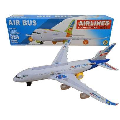 Airbus toy plane image 1
