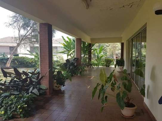 4 bedroom house for rent in Old Muthaiga image 12