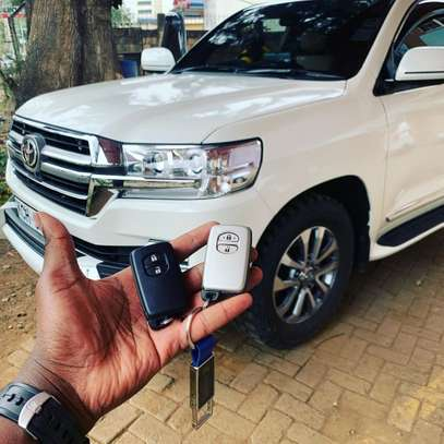 TOYOTA LAND CRUISER KEYS