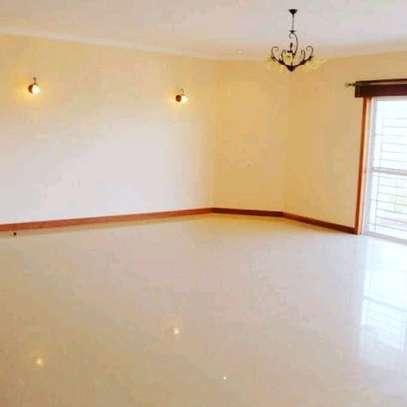3 bedroom apartment for rent in Rhapta Road image 5
