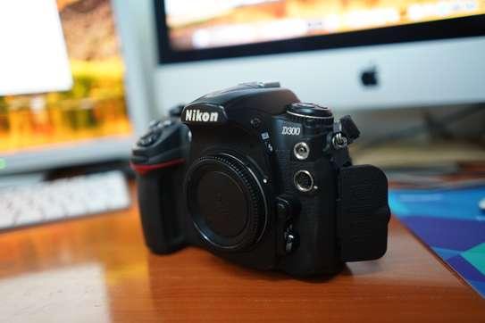Nikon B300 Body Only image 9