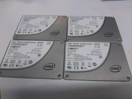 300gb ssd 2.5 intel image 1