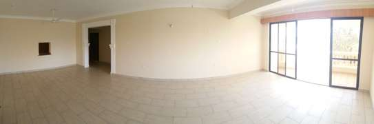 3br penthouse apartment for rent in old Nyali. Id 2105 image 5