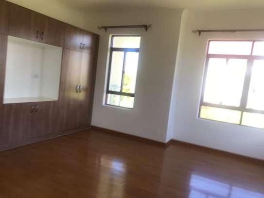 Karen - House image 8