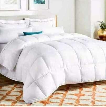 White-cotton duvet image 3