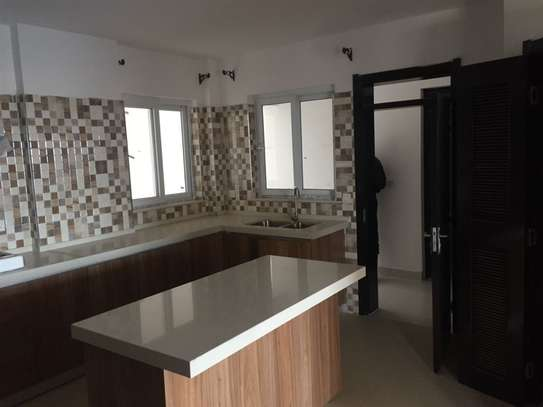 4 bedroom apartment for rent in Kilimani image 19