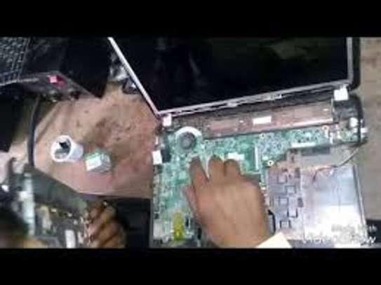laptop screen display image 1