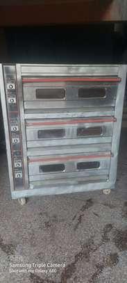 Tripple Deck oven image 9