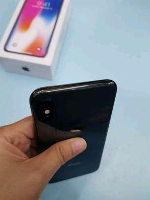 Apple Iphone x Mint Black 256 Gigabytes Model Under Warranty image 4