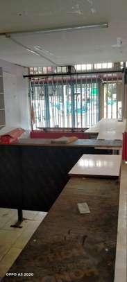 900 ft² shop for rent in Karen image 3