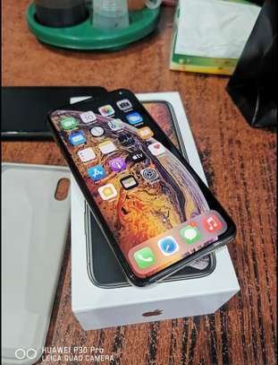 Apple iPhone XS 512gb on offer image 1