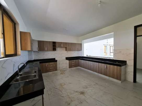 3 bedroom apartment for rent in Nyali Area image 5